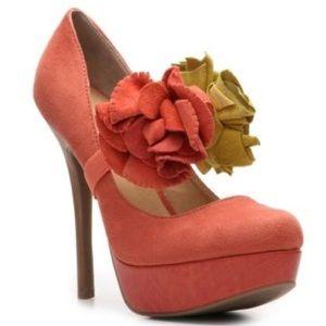 SALE✨ Zigi Soho Sweetpea Platform Heels w/ Flowers
